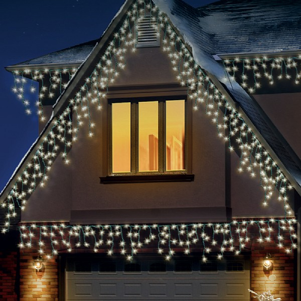 Snowing Christmas Lights.720 Warm White Led Snowing Icicle Lights With Timer