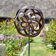 Smart Garden Taurus Wind Spinner & LED Solar Crackle Globe Light