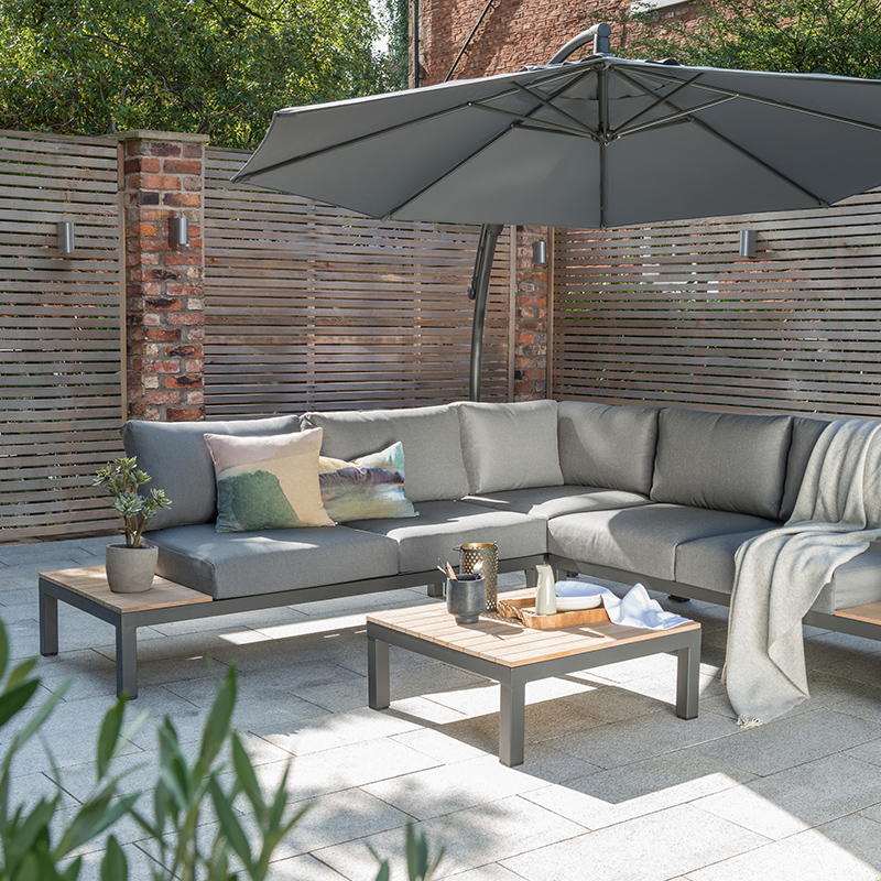 Garden Furniture & Outdoor Living